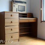 堀之内ハイツ レンタル家具のチェストとデスク